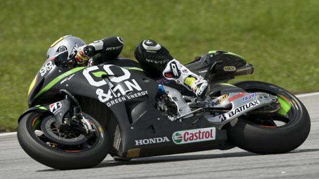 Bautista lavora sulle geometrie della sua Honda