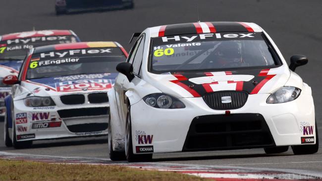 A Monje e Valente le SEAT della Campos Racing