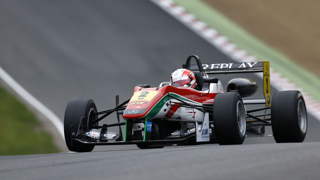 Tripla pole position per Alex Lynn a Brands Hatch