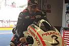 Max Biaggi prende confidenza con la Ducati nel box