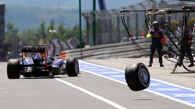 Red Bull multata di 30.000 euro per la gomma persa