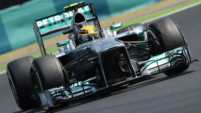 Hamilton centra la terza pole di seguito in Ungheria