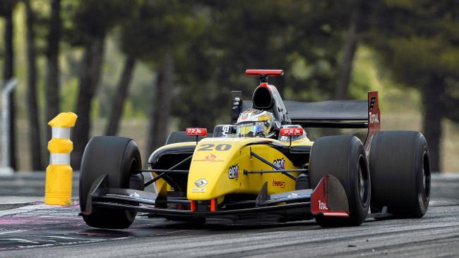 Pole di forza di Magnussen al Paul Ricard