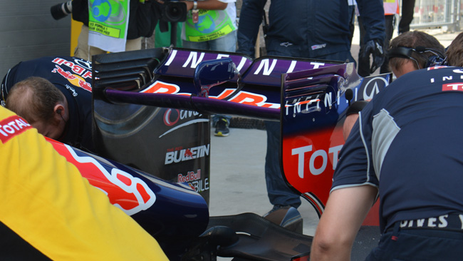 Red Bull: l'ala posteriore cerca carico sul flap
