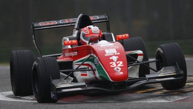 L'ultima pole del 2013 è di Luca Ghiotto
