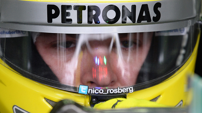 Test Pirelli: a Rosberg scoppia una gomma a 320!