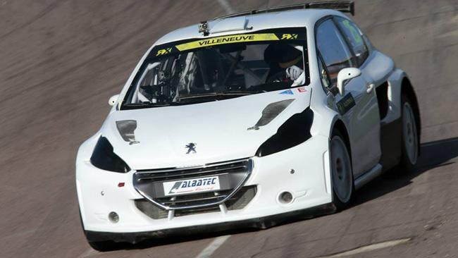 Villeneuve prende confidenza con la Peugeot 208