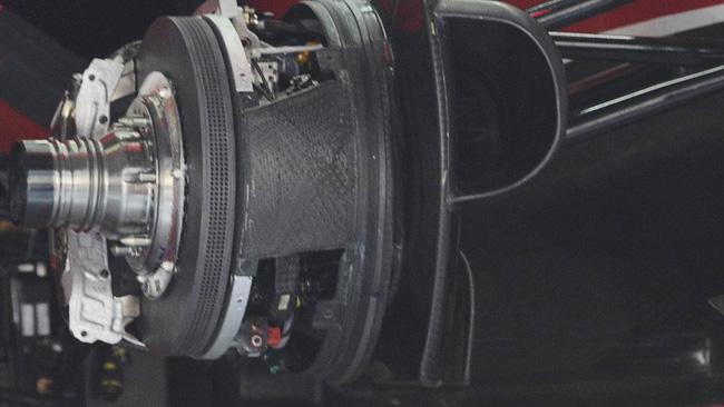 La Ferrari ha promosso i mozzi forati visti nei test