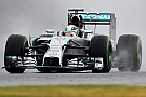 Silverstone, Q2: Hamilton precede Rosberg