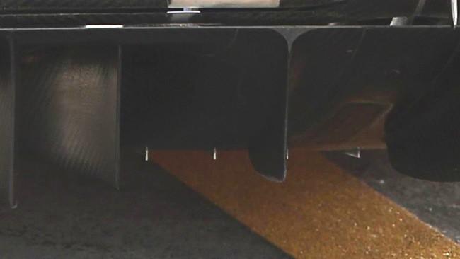 La Ferrari con i generatori di vortice nel diffusore