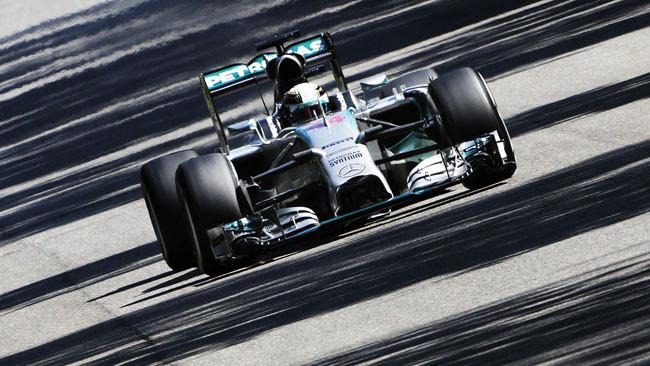Monza, Q1: Hamilton su Rosberg, Alonso decimo