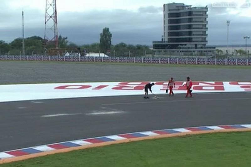 Commissari al lavoro in pista: la Moto3 scatta in ritardo
