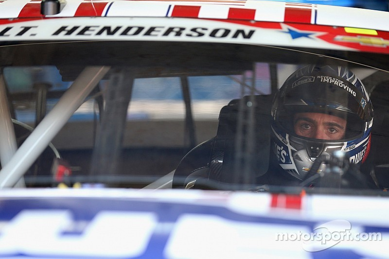 Johnson spins twice at Charlotte, makes contact with wall
