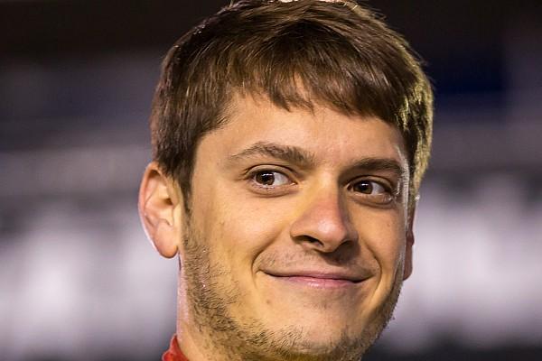 Piloto da NASCAR corre