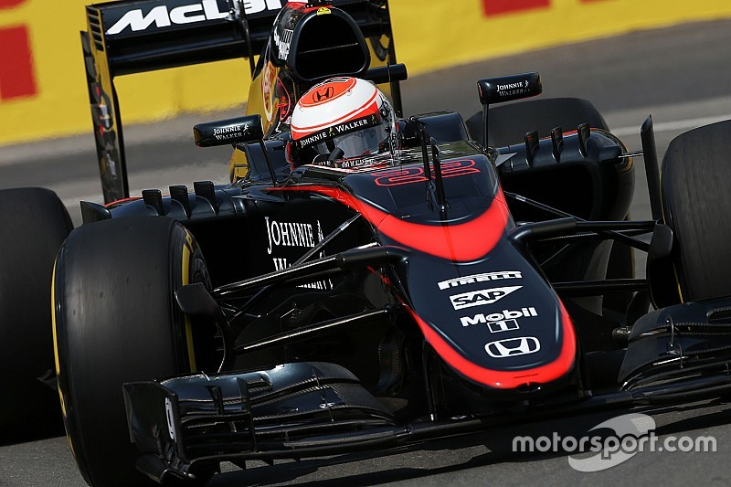 McLaren подтвердила замену компонентов на машине Баттона