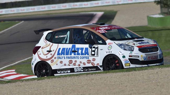 Giulio Tommasin comanda il campionato dopo Imola