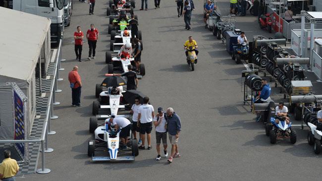28 piloti di 17 nazioni nei test collettivi di Monza