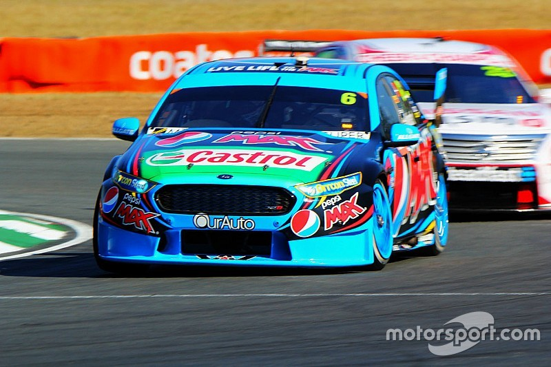 Mostert dominates Sunday V8 race