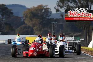 سباقات المقعد الأحادي الأخرى أخبار عاجلة فرق فورمولا 3 تدعو إلى تحقيق مستقلّ لبيان الاتحاد الأسترالي للسيارات بخصوص فورمولا 4