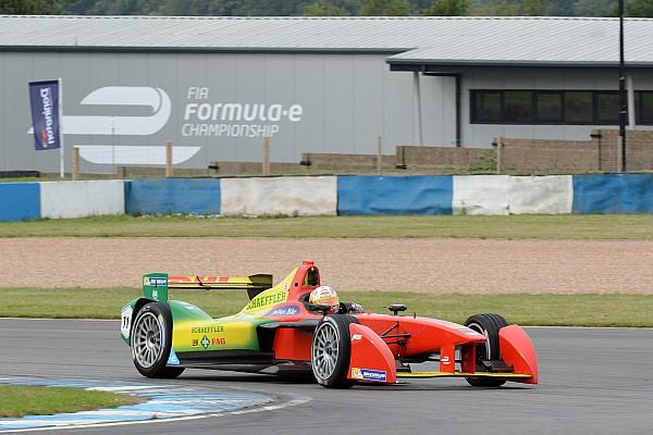 Абт побил неофициальный рекорд круга Формулы Е в Донингтоне