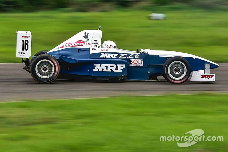 Tharani wins Race 1 after collision with Parekh
