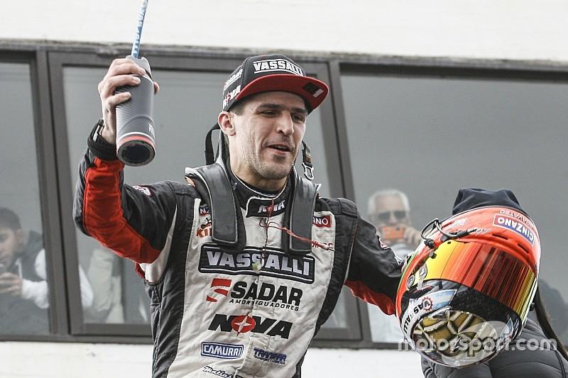 Para la historia: Rossi largó último y ganó en Olavarría