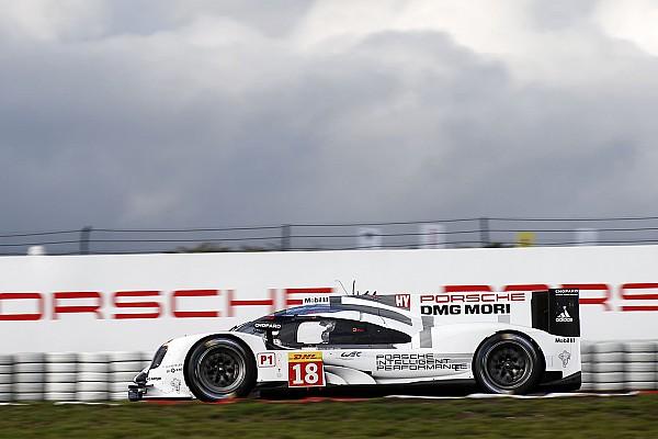 Porsche barre con la primera fila en Nürburgring