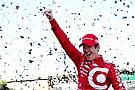 Dixon dá show, derrota Montoya e leva quarto título na Indy