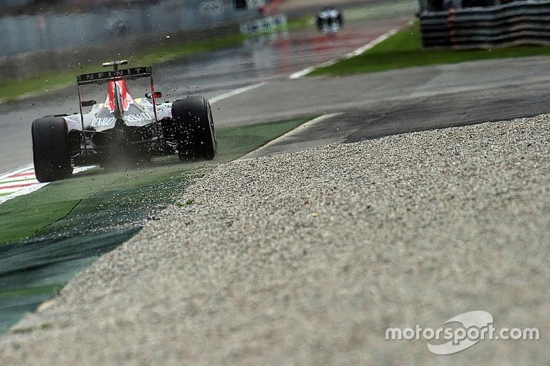 La Red Bull esce dal tunnel con i motori Mercedes!