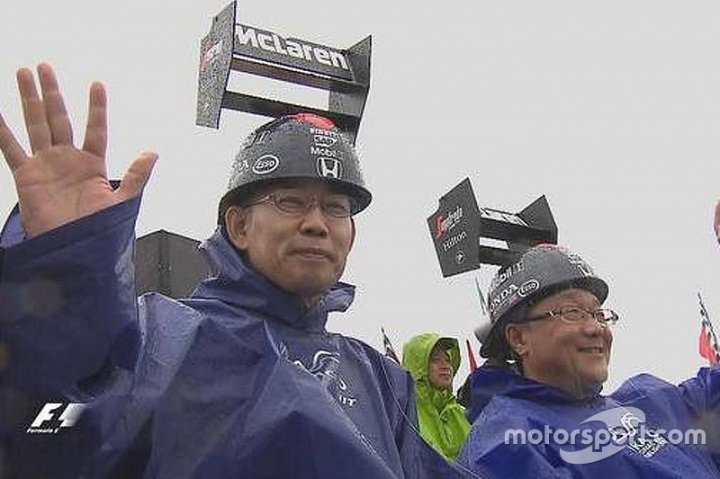 """Concurso de chapéu"" mostra como japoneses amam F1"