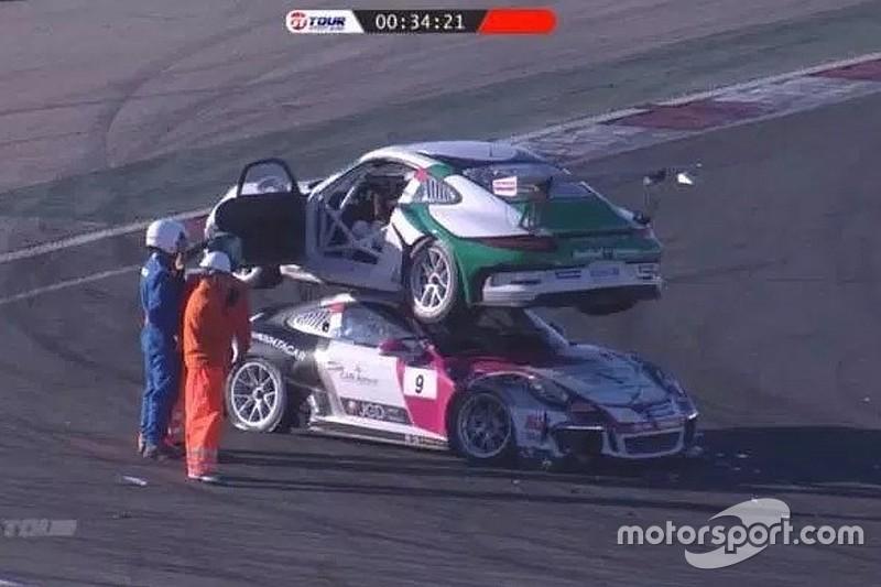 """Acidente inusitado faz carro de piloto """"montar"""" sobre rival"""