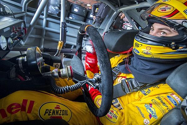 Monster Energy NASCAR Cup Logano naar ronde 3 van de achtervolging dankzij winst Charlotte