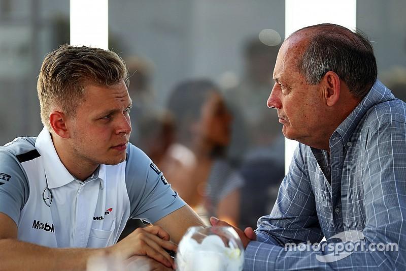 """Dennis: """"Magnussen merece un lugar en la F1"""""""