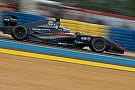 De Vries grijpt naast pole op nat Jerez