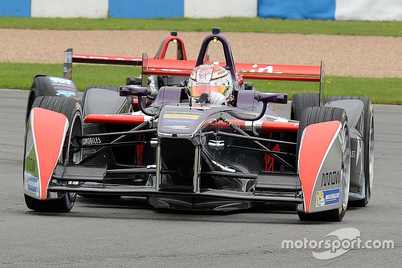 Bird picks up first points for DS Virgin Racing in Beijing