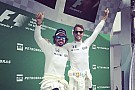 Alonso y Button provocan risas al