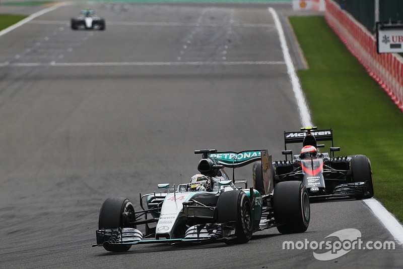 "McLaren unimpressed with ""desperate"" Mercedes' concerns over 2017 rules"