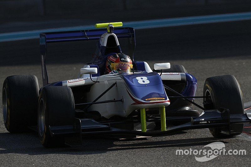 Steijn Schothorst test GP3 in Abu Dhabi
