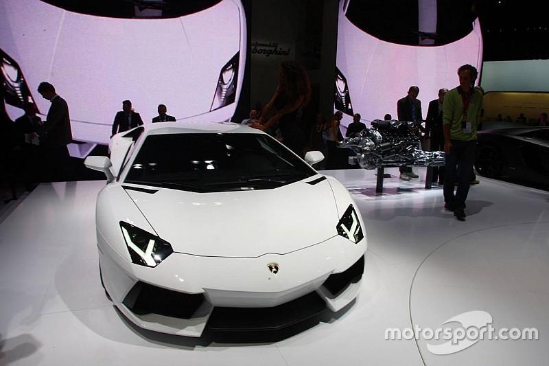 Lamborghini: 'Achterwielaandrijving voor de Aventador is onmogelijk'