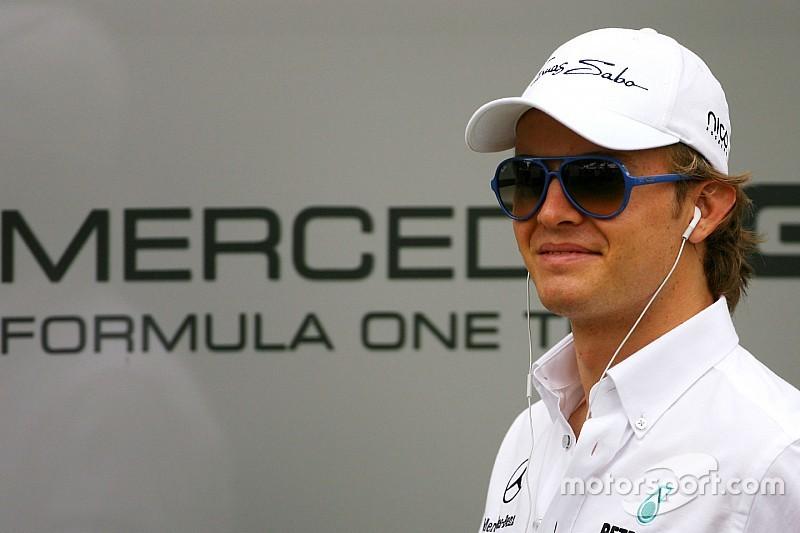 Rosberg resalta la experiencia de ser coequipero de 'Schumi'