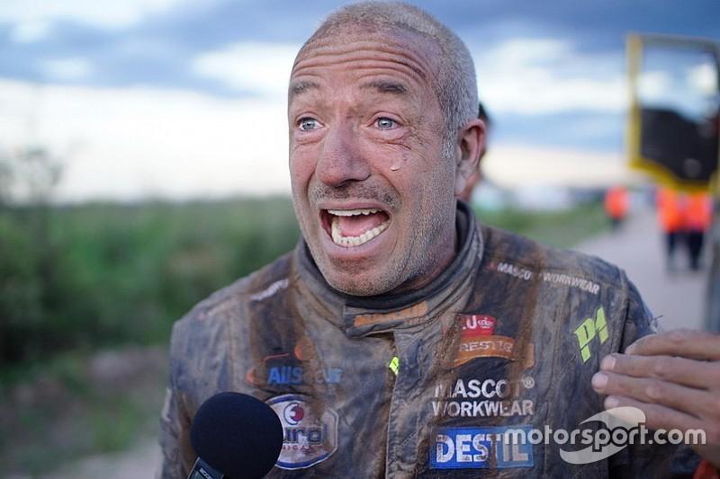 """Tom Coronel in de Dakar: """"Gered door een Argentijns gezin"""""""