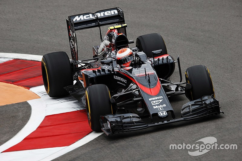 Boullier: McLaren cannot afford another dire season