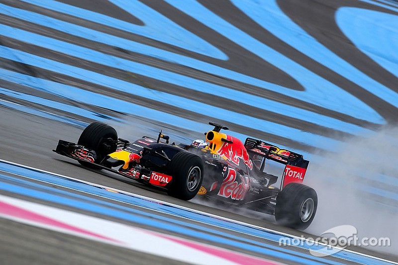 Ricciardo tops first day of wet Pirelli test