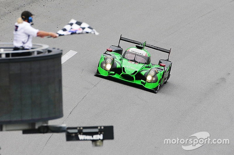 Derani lidera Barrichello em dobradinha do Brasil em Daytona