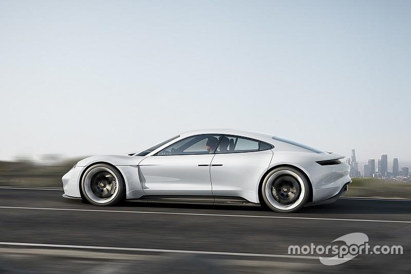 Porsche ziet niets in autonoom rijden, hybride 911 komt in 2018