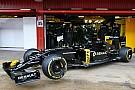 Renault rolt nieuwe Formule 1-auto naar buiten in Barcelona