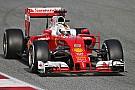 Vettel lidera el segundo día de pruebas; Pérez fue tercero