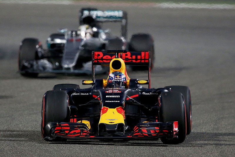 Red Bull se siente capaz de luchar con Mercedes y Ferrari