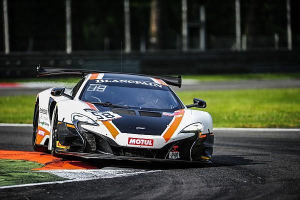 La McLaren del Garage 59 trionfa in un'emozionante volata a Monza