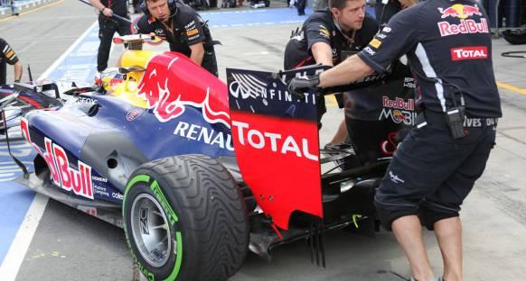 Vettel antrenmanlarda eski egzoz tasarımını kullanacak
